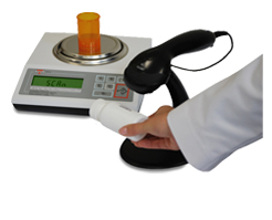 DRX-4C Pharmacy Pill Counting Scale with scanner and data base capacity